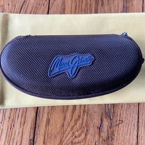 Maui Jim's sun glass case with coverage sleeve